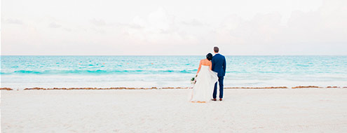 Dreamy vintage wedding on the beach